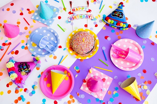 Girls party boxes from Cosmos Party Supplies. Photo by Lidya Nada on unsplash.com
