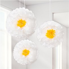 White-daisy-pom-pom-from-Cosmos-party-boxes