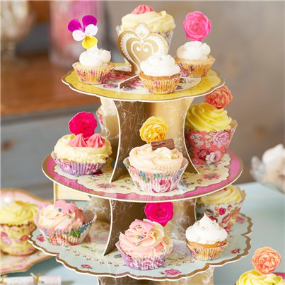 Cake-stand-from-Cosmos-Party-supplies