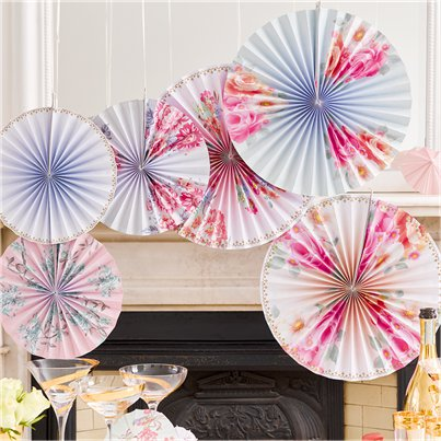 Floral-decorations-from-Cosmos-party-Supplies