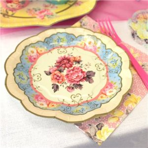 Florarose-plate-from-Cosmos-party-supplies
